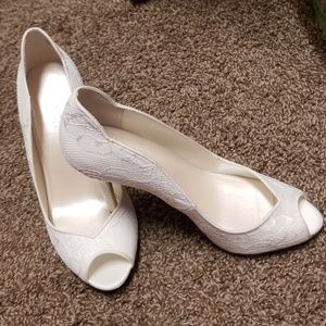 Cream colored wedding shoes